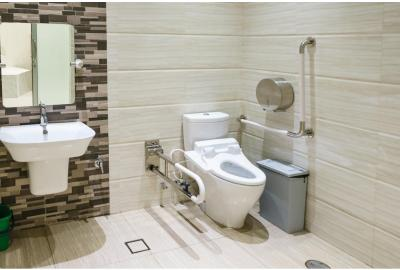 The Best Toilet Surrounds, Risers, & Commodes for Seniors