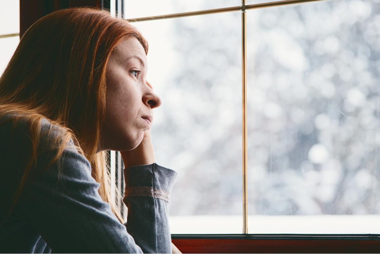Seasonal Affective Disorder (SAD): Symptoms & Treatment