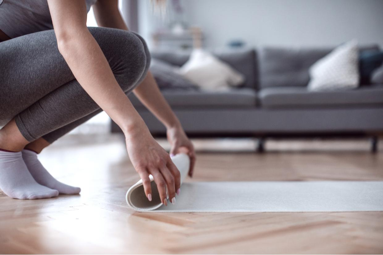8 Quick Yoga Poses for Remote Workers
