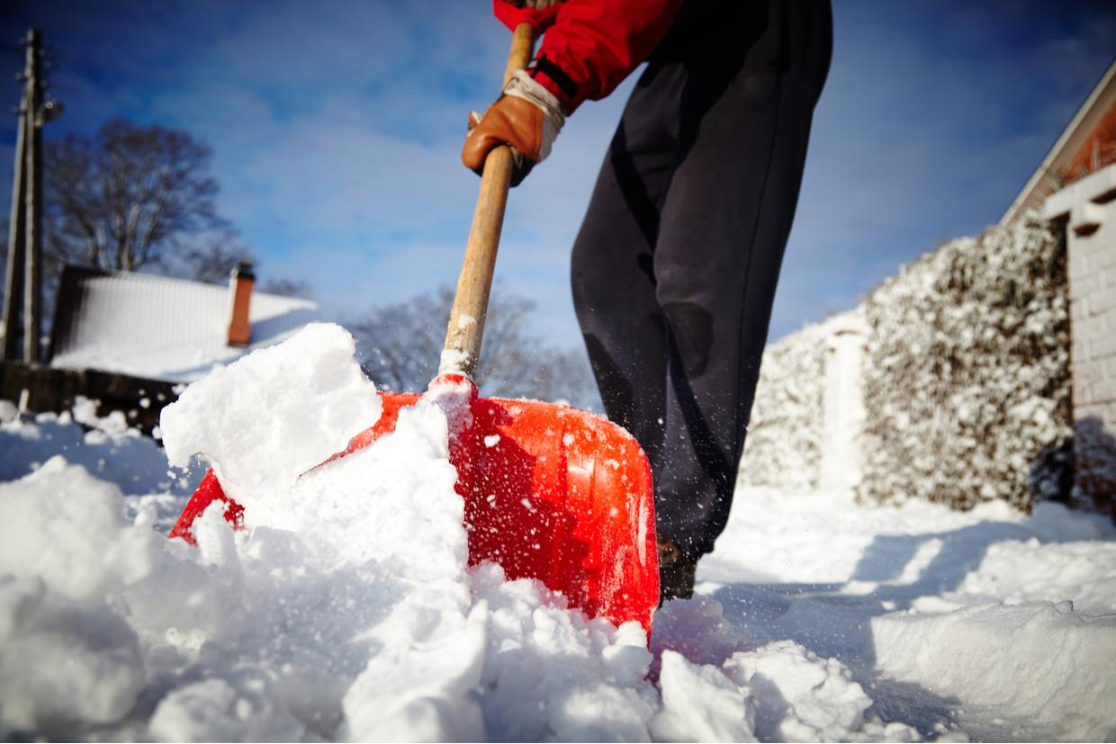 How to Relieve Your Back Pain from Shoveling